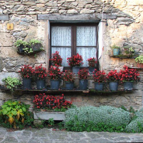 GironaBegWindow